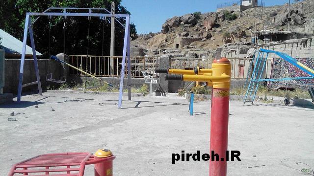 پارک بازی روستای پیرده
