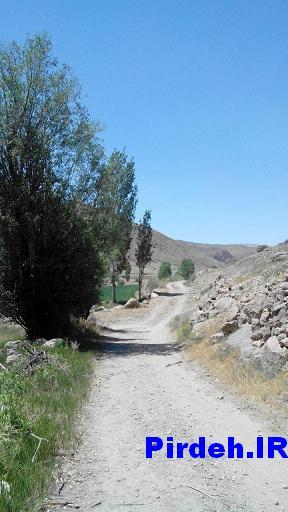 جاده به سمت دشت روستای پیرده